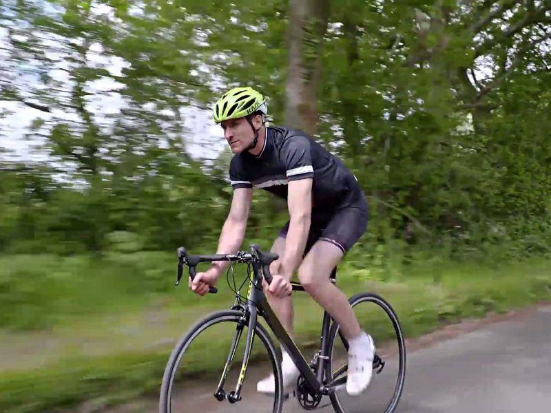 Нужен ли велосипедисту специальный шлем?