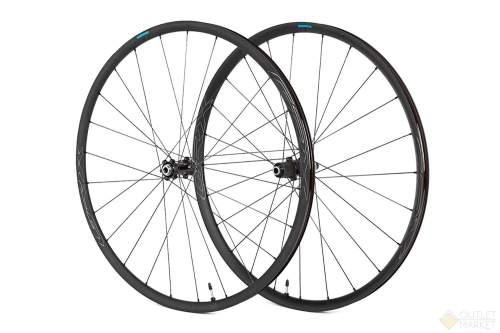 Комплект колес Shimano RX570-700C под ось 12 мм C.Lock OLD:110/142 мм черные