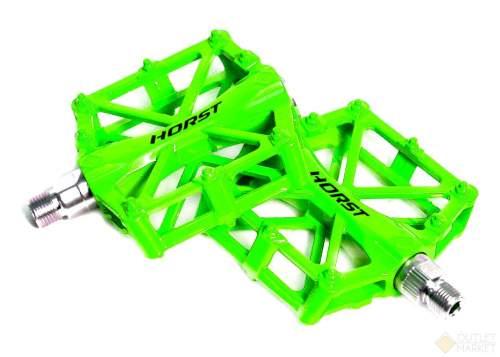 Педали HORST H32 алюминий широкие литые с шипами зелёные