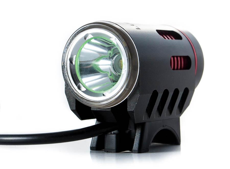Фонарь передний Lumen 300 1800 lumen\1200 lumen Cree XM-L2 черный\красный EBL300
